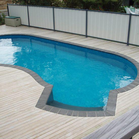 deluxe pools